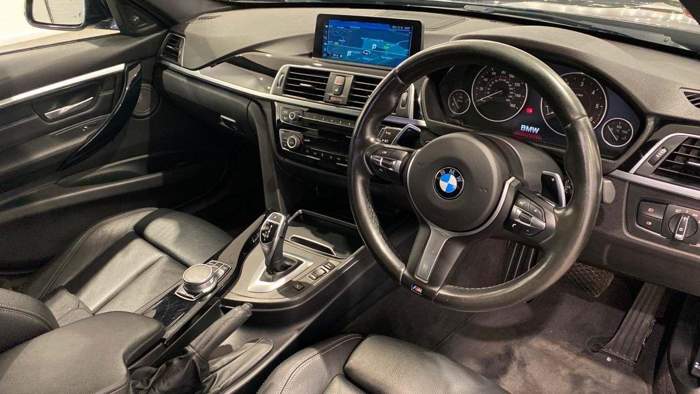 Image 20 - BMW 330d M Sport Saloon (MM17UNE)