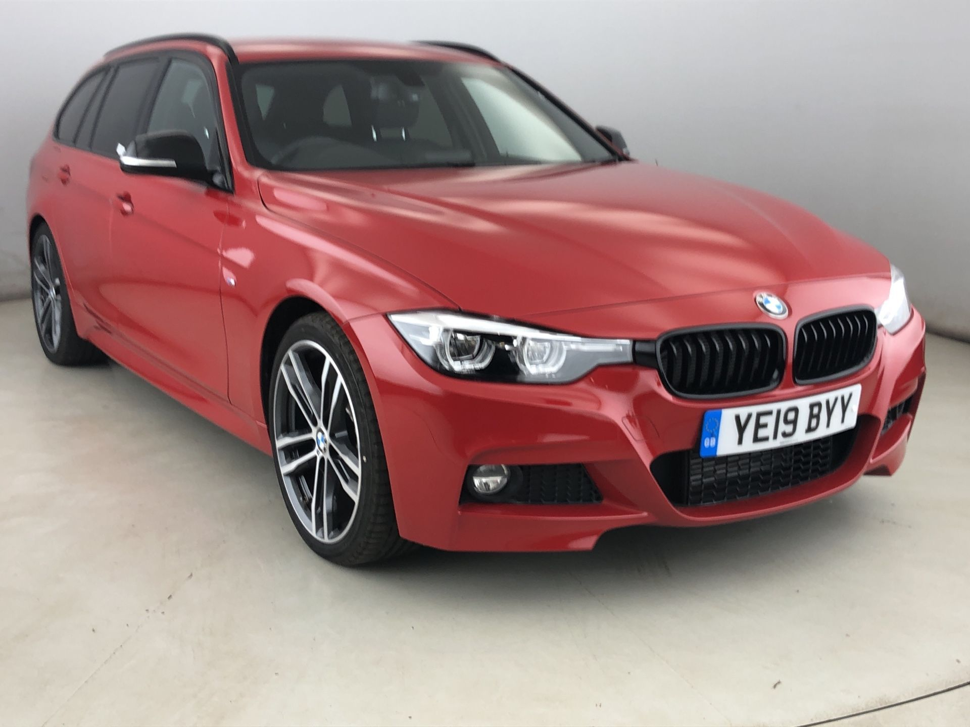 Image 1 - BMW 320d M Sport Shadow Edition Touring (YE19BYY)