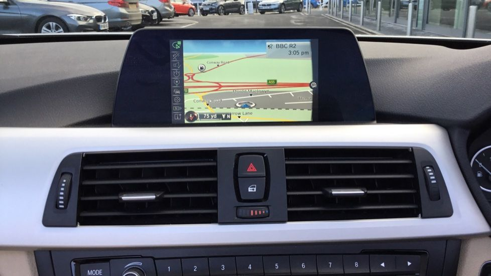 Image 6 - BMW 420i SE Convertible (GN17PCY)