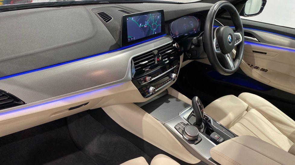 Image 11 - BMW 520d M Sport Touring (YB69DWD)