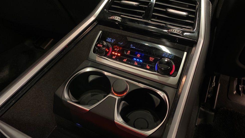 Image 39 - BMW 745Le xDrive M Sport Saloon (YG20OWX)