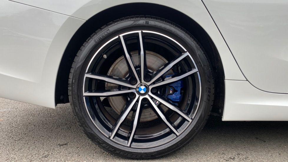 Image 14 - BMW 330d xDrive M Sport Touring (YB69FNC)