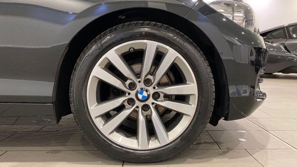 Image 14 - BMW 118i Sport 3-Door (LT17KBV)