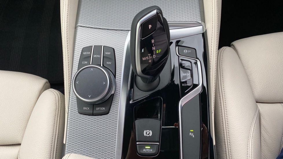 Image 10 - BMW 530d M Sport Saloon (CX20YMU)