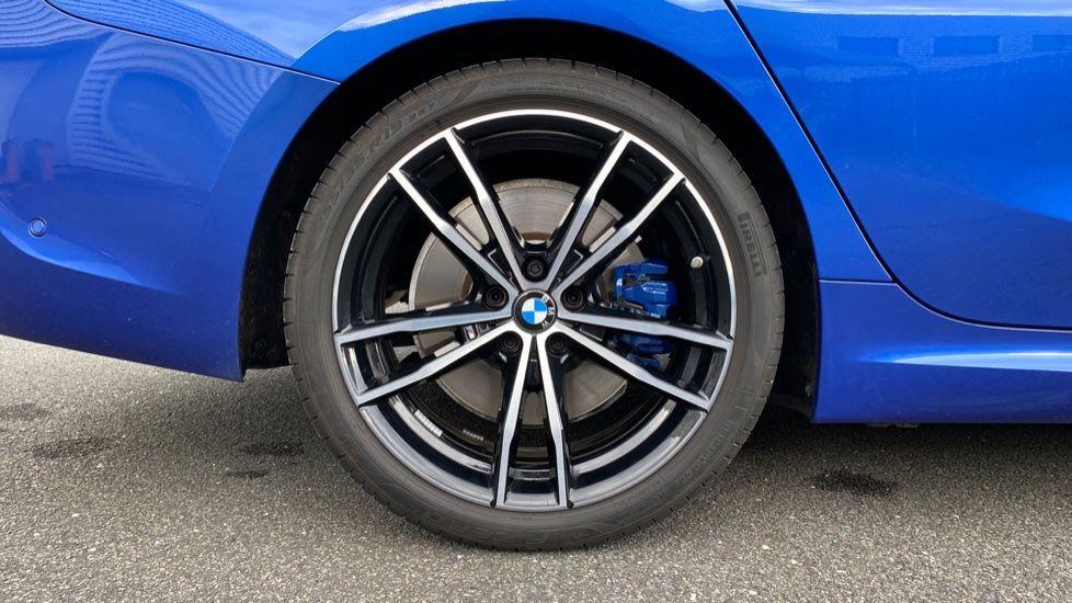 Image 14 - BMW 320d M Sport Saloon (YB69WNN)