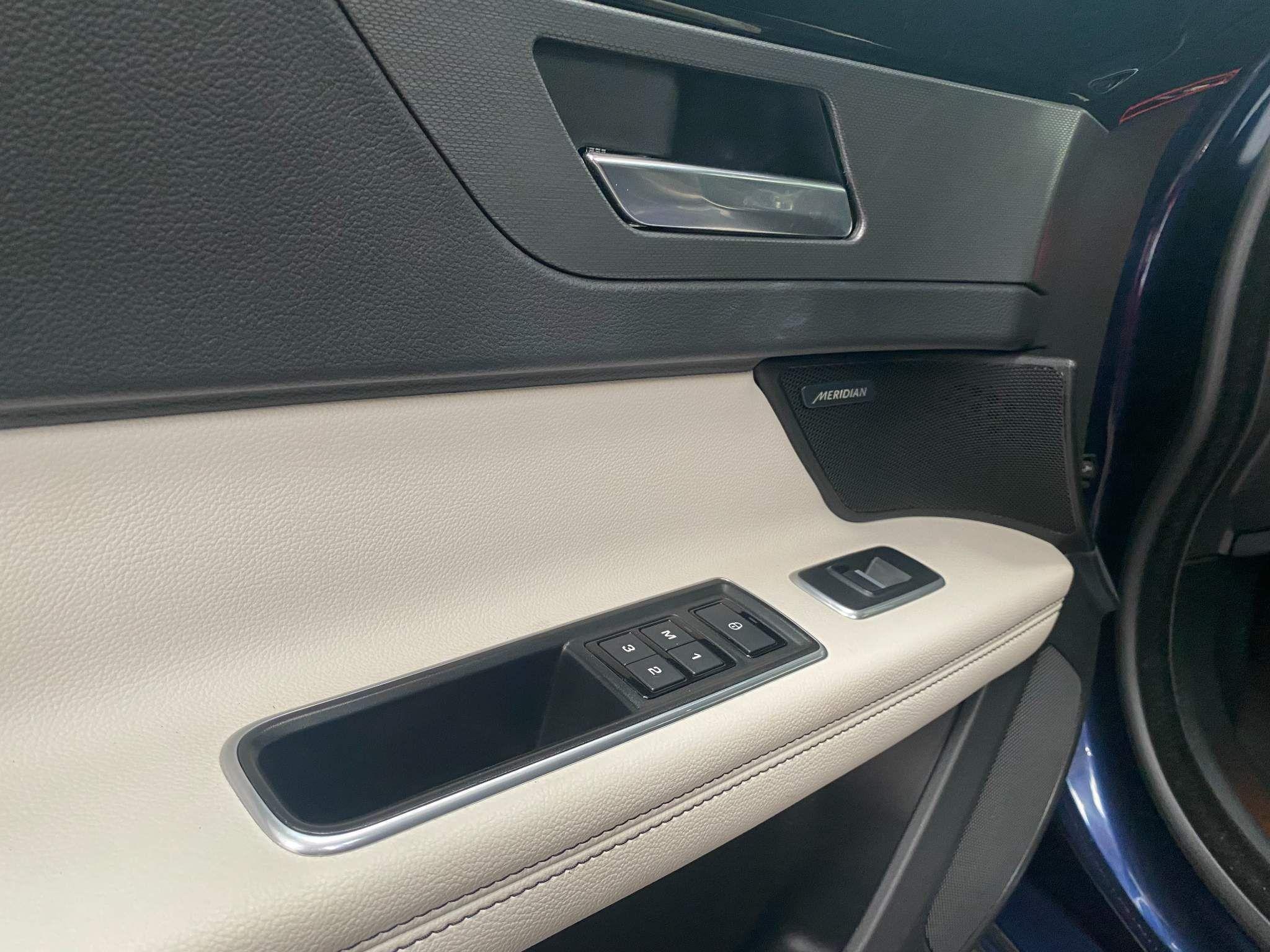 Jaguar XF Images