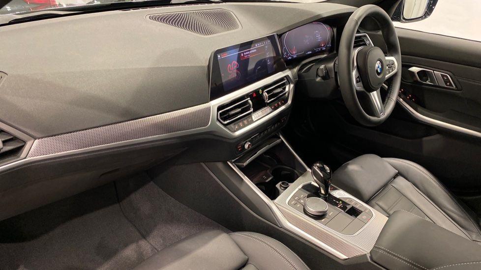 Image 11 - BMW 320i M Sport Saloon (YH20WGA)