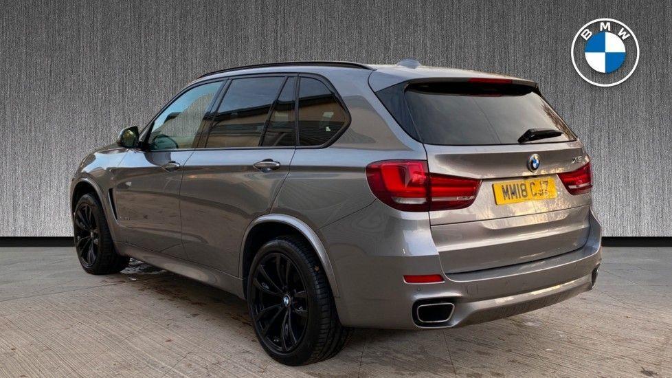 Image 2 - BMW xDrive30d M Sport (MM18CJZ)