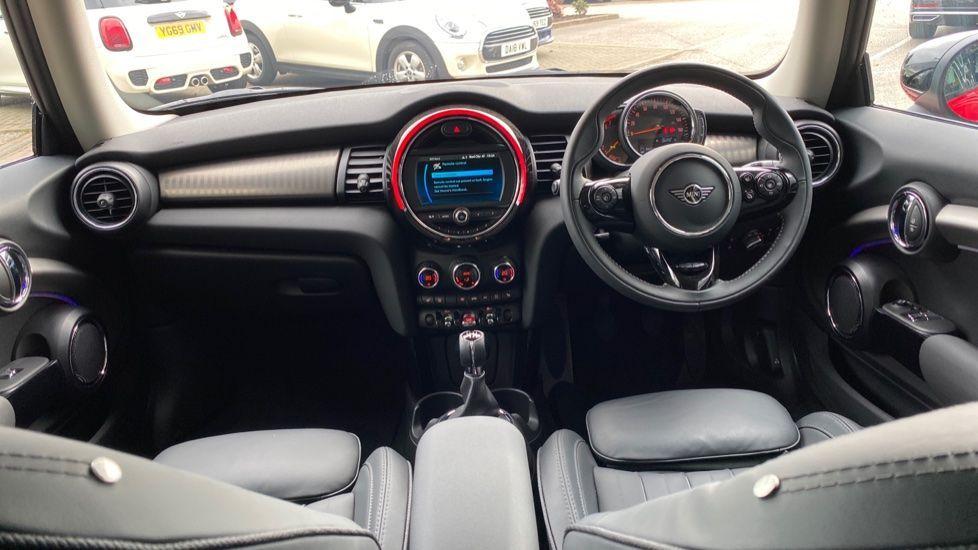 Image 4 - MINI Hatch (DK20JZR)