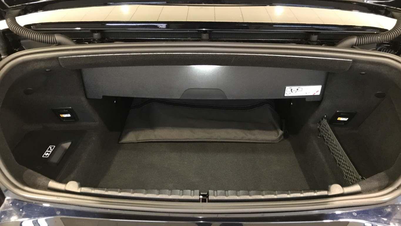 Image 13 - BMW M850i xDrive Convertible (YC69FNL)