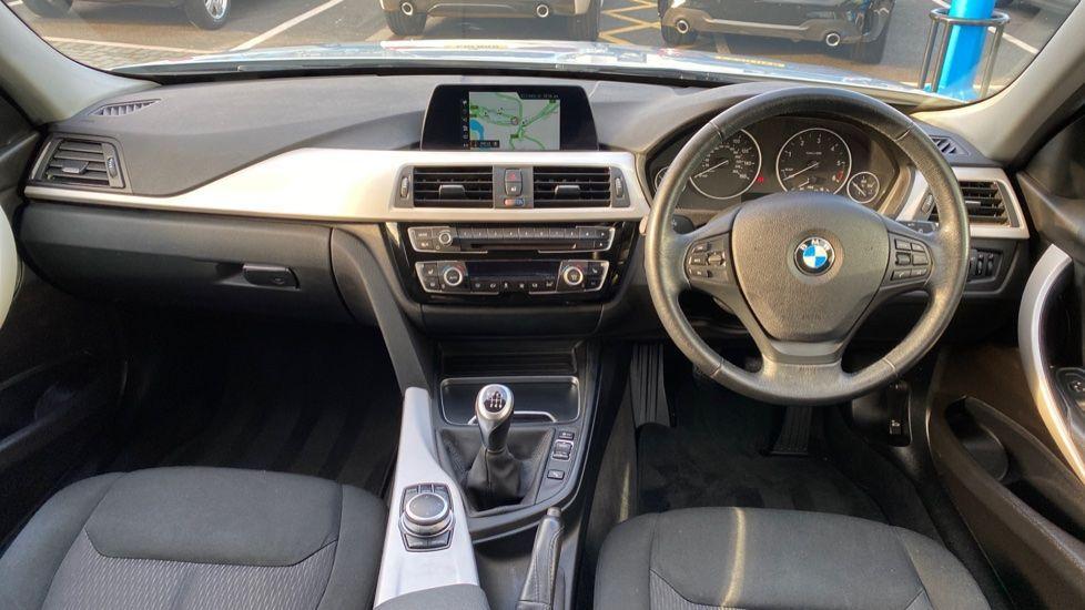 Image 4 - BMW 316d SE Touring (YA18UPK)
