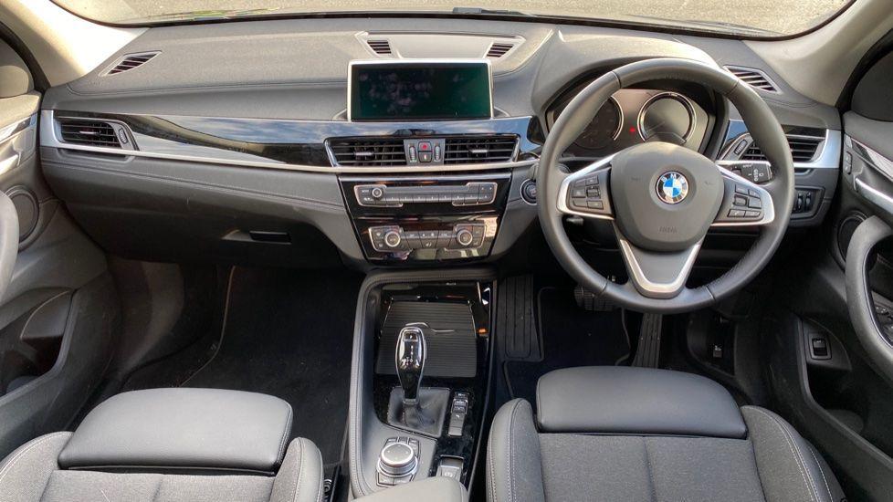 Image 4 - BMW sDrive18i Sport (YH20WBT)