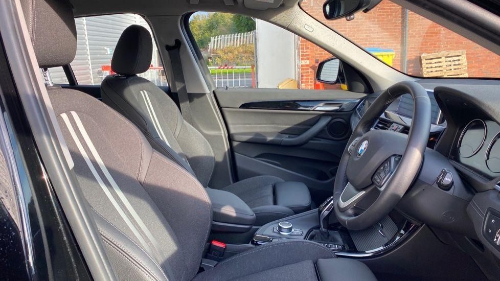 Image 11 - BMW sDrive18i Sport (YH20WBT)