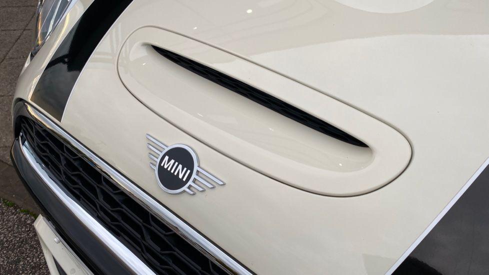 Image 38 - MINI Hatch (DG20YWC)