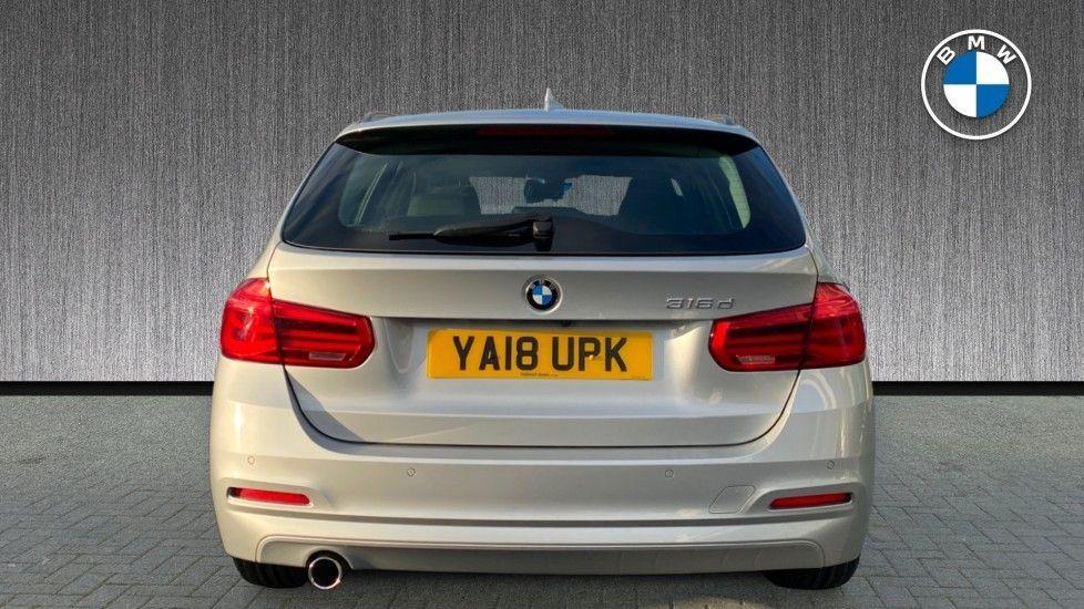 Image 15 - BMW 316d SE Touring (YA18UPK)