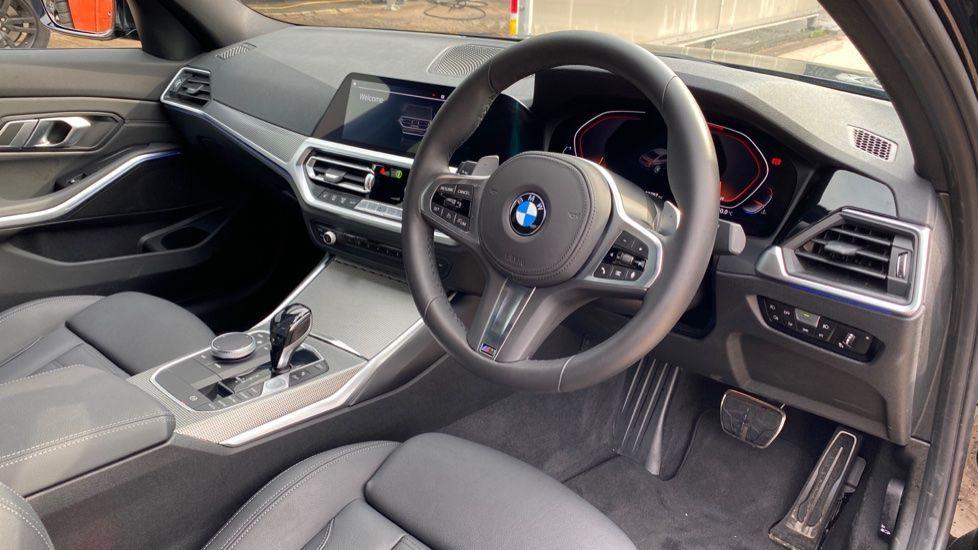 Image 5 - BMW 320i M Sport Saloon (YH20FLJ)