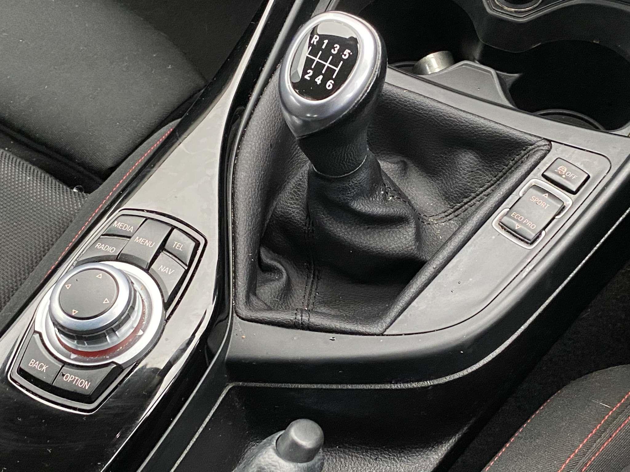 Image 13 - BMW 118i Sport 5-Door (MC66VGP)