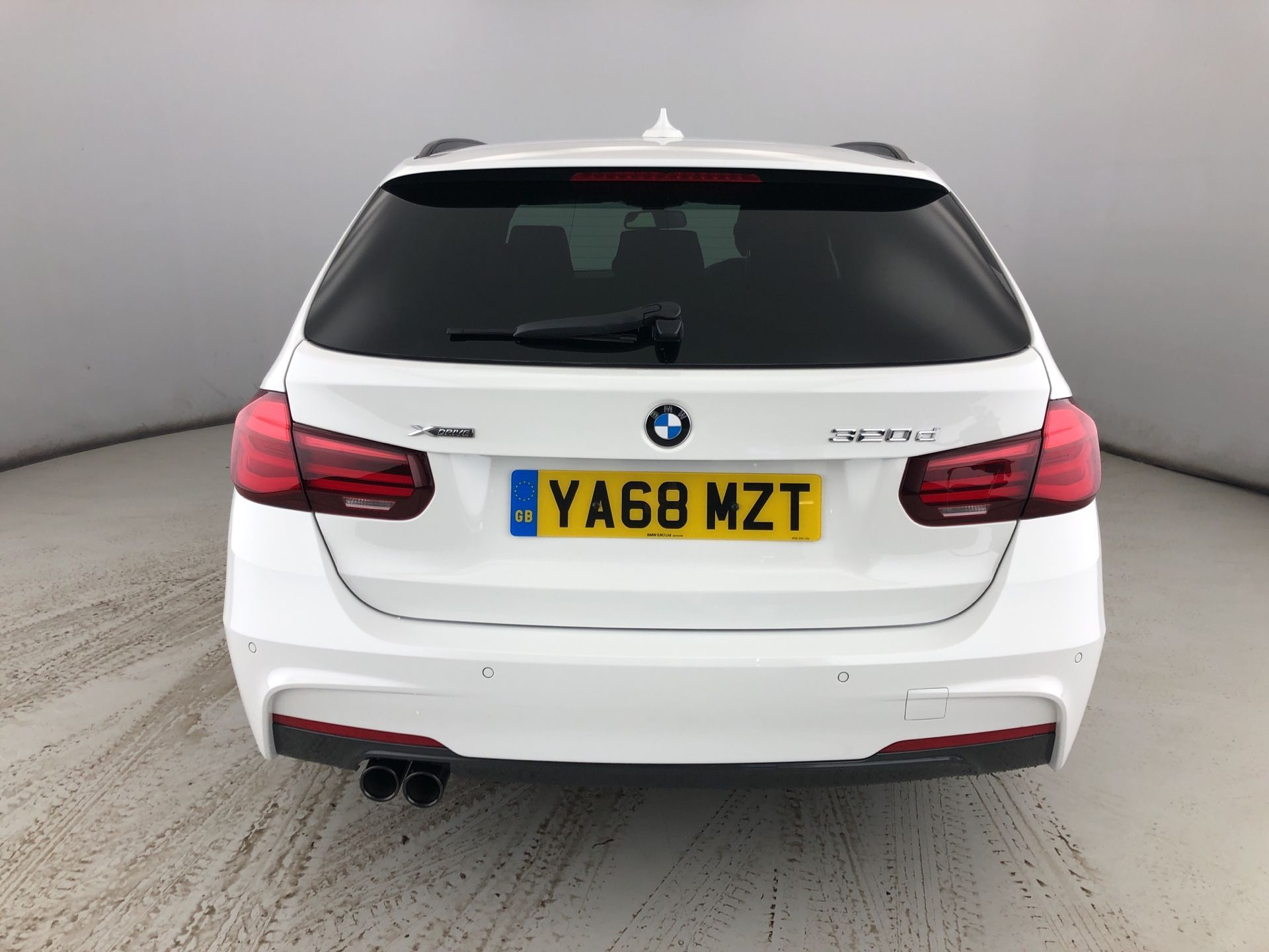 Image 14 - BMW 320d xDrive MSport ShadowEdition Touring (YA68MZT)