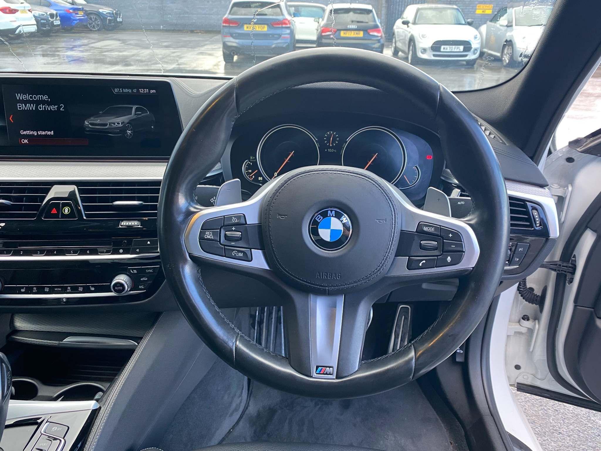 Image 10 - BMW 520d M Sport Saloon (MT67UPS)