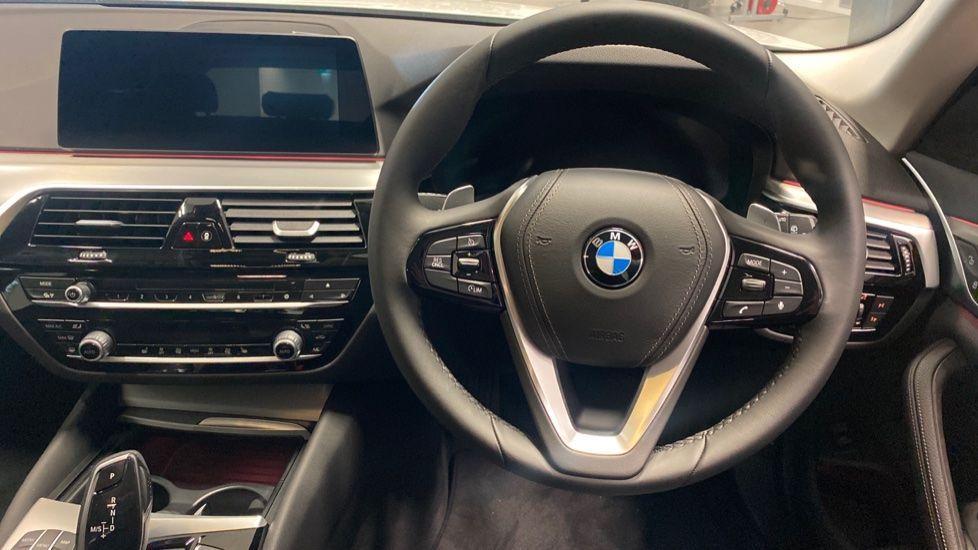 Image 8 - BMW 520d SE Touring (YC20VWA)