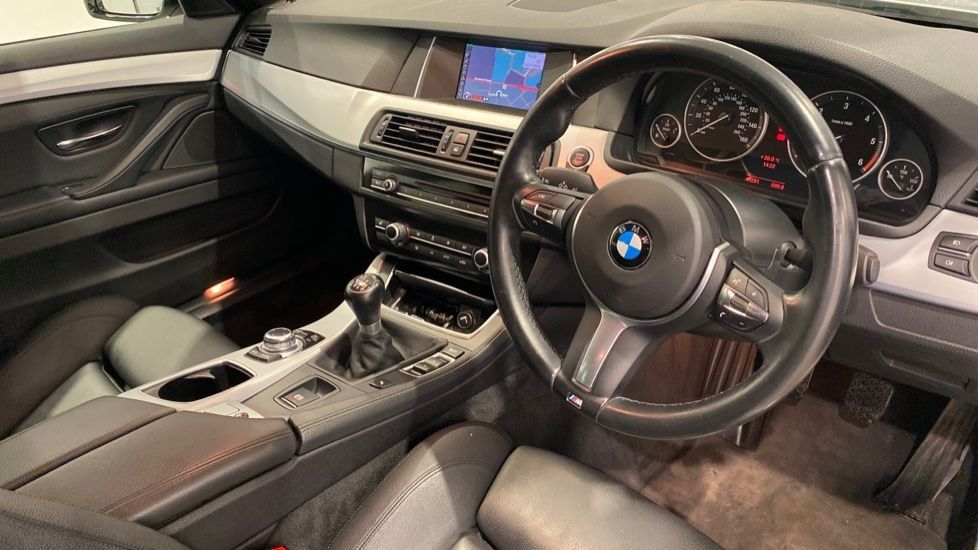 Image 4 - BMW 520d M Sport Touring (YB14MHK)