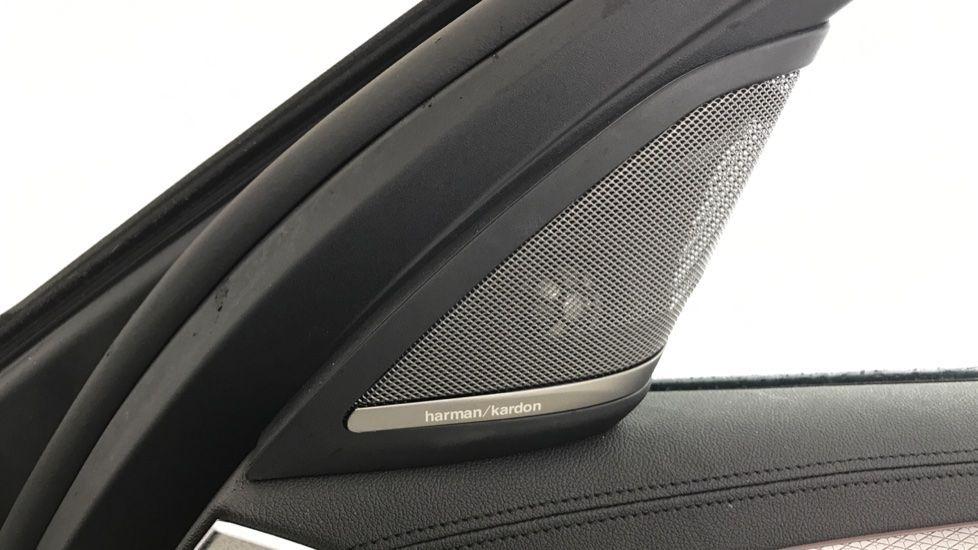 Image 20 - BMW 520d M Sport Touring (YB69VCJ)