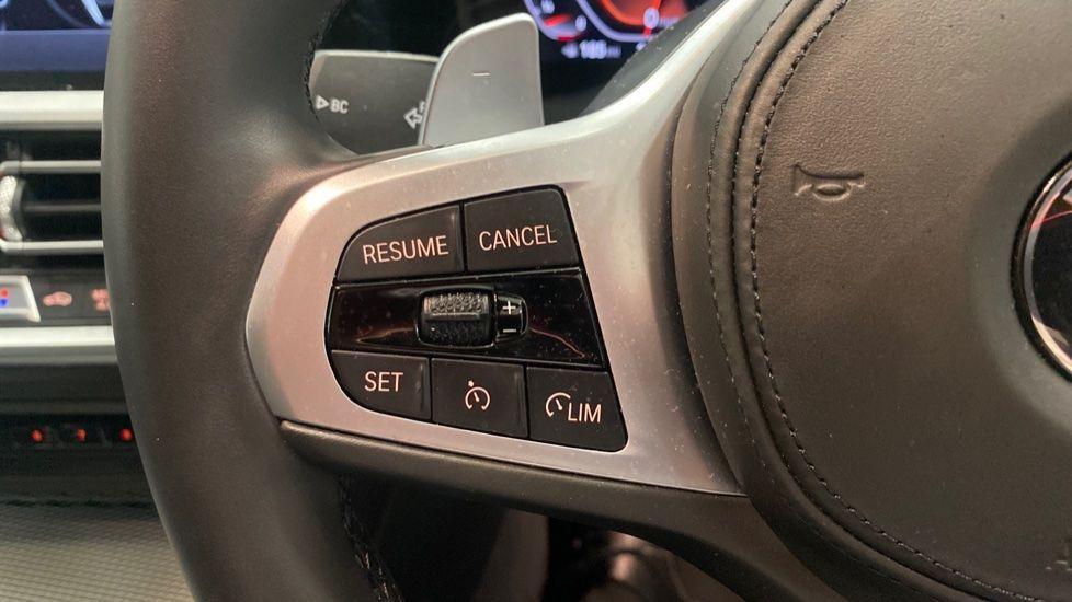 Image 17 - BMW 320i M Sport Saloon (YG20LFU)