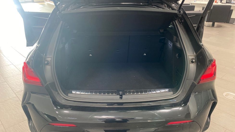 Image 13 - BMW 118i M Sport (YK69JDM)