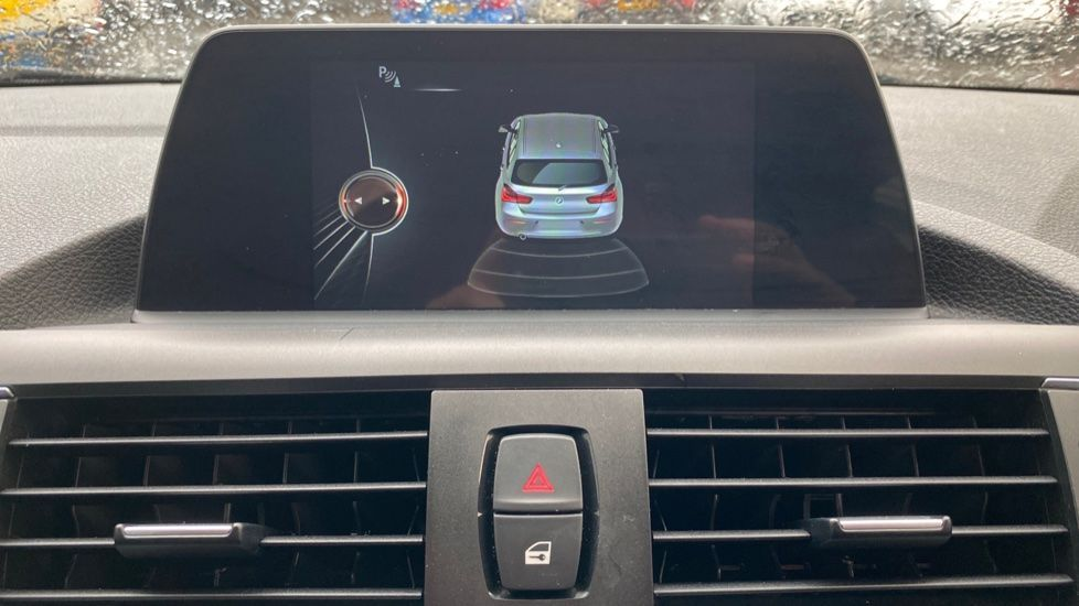 Image 20 - BMW 118d Sport 5-Door (NL67GSV)