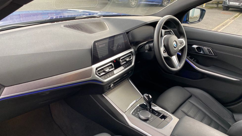 Image 6 - BMW 320d M Sport Saloon (YB69WNN)