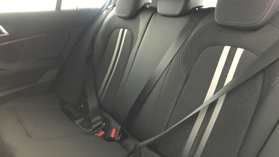 Image 12 - BMW 118i Sport (YF69NZU)