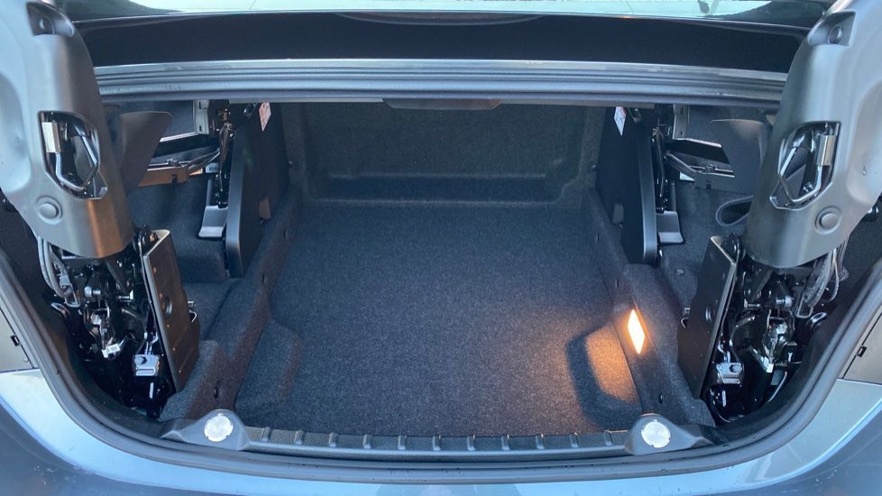 Image 13 - BMW 420d M Sport Convertible (CX20KCV)