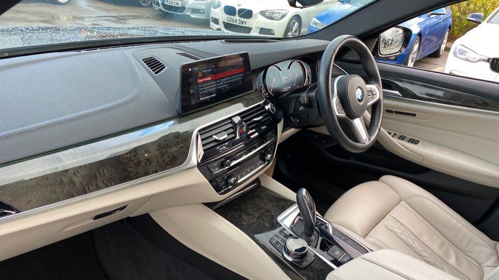 Image 6 - BMW 530e M Sport iPerformance Saloon (KE67DZL)