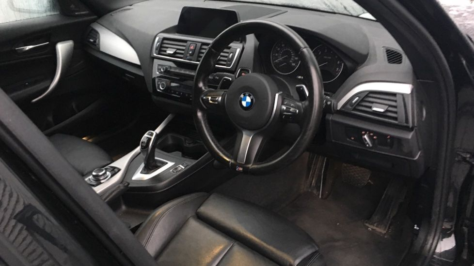 Image 16 - BMW M140i 5-door (MF17NPO)