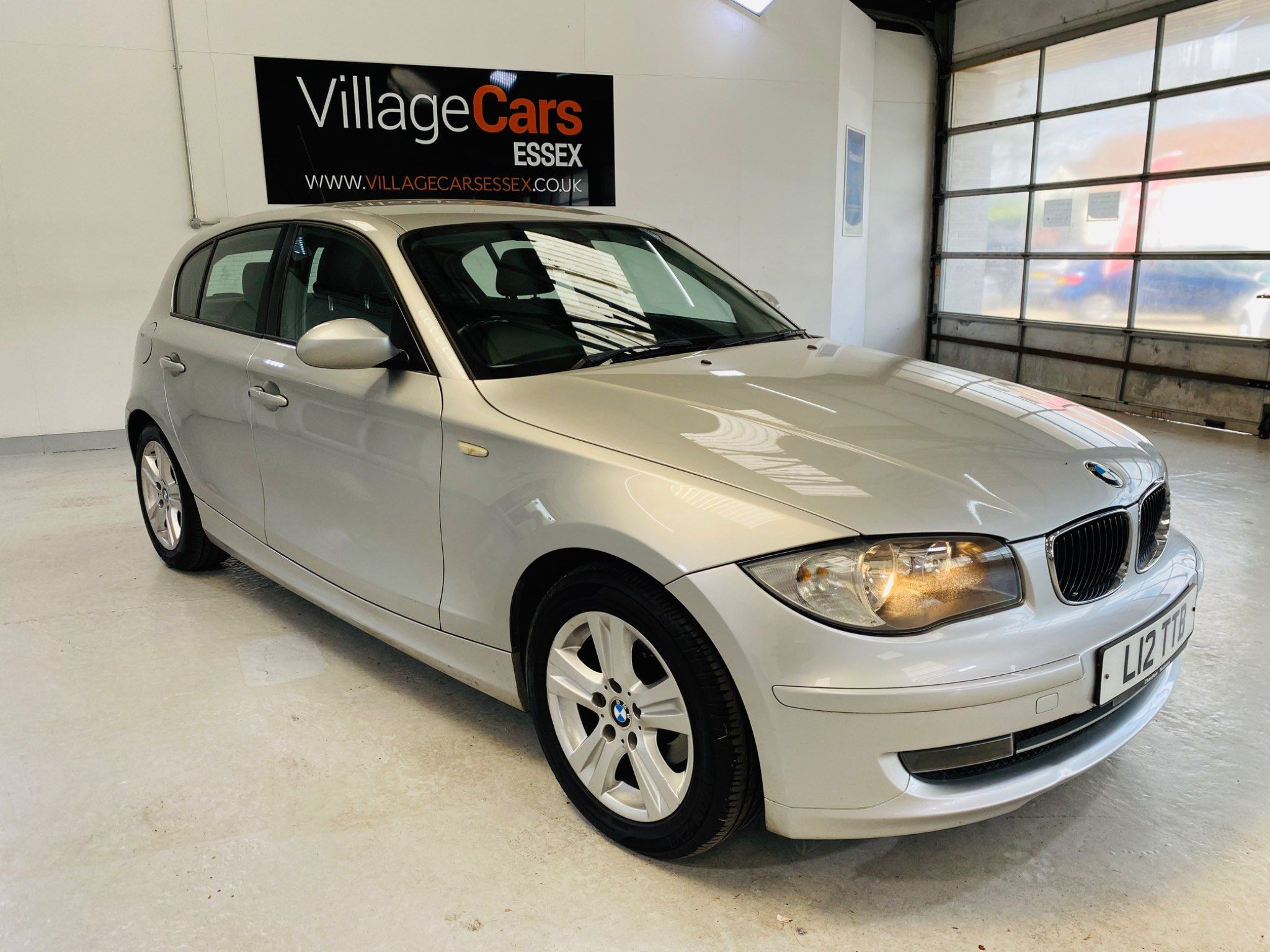 BMW 1 Series 2.0 118d SE 5dr full