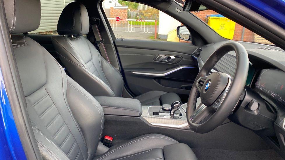 Image 11 - BMW 320d M Sport Saloon (YB69WNN)