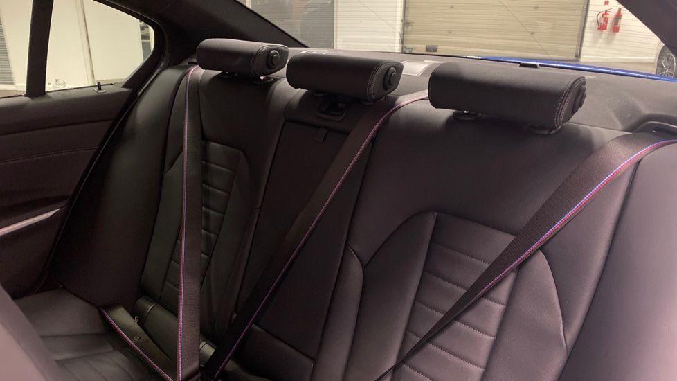 Image 12 - BMW 320d M Sport Saloon (YB69WNR)