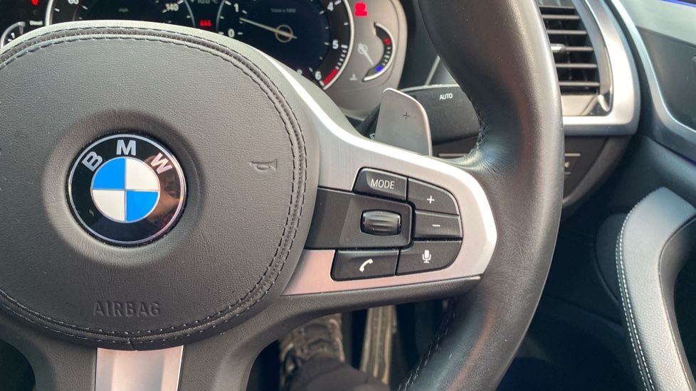 Image 18 - BMW xDrive30d M Sport (MJ19WHP)