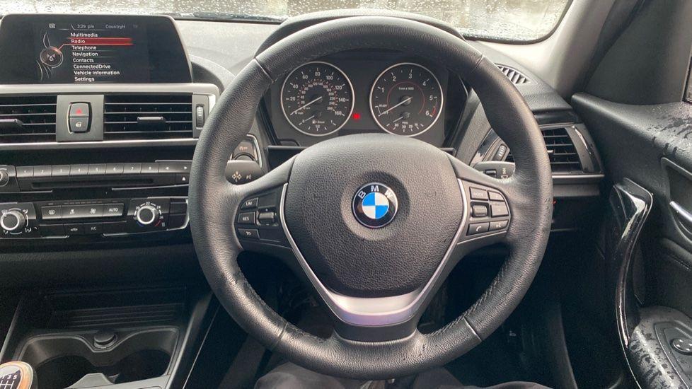 Image 8 - BMW 118d Sport 5-Door (NL67GSV)
