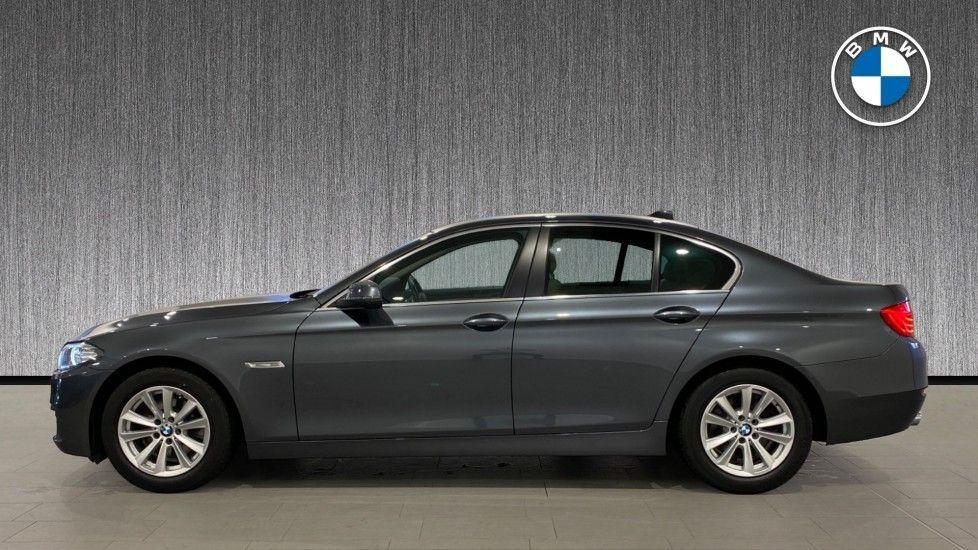 Image 3 - BMW 520d SE Saloon (DC66MBF)