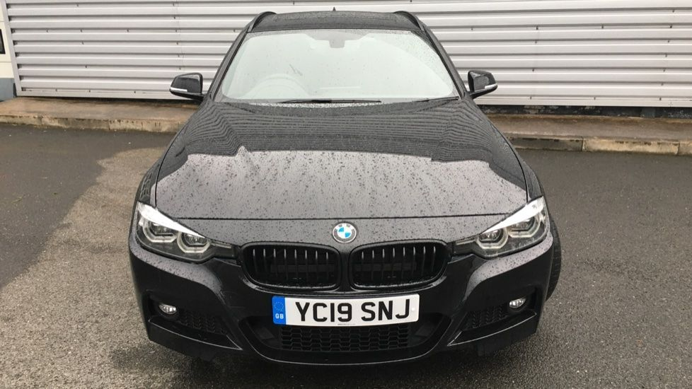 Image 19 - BMW 320i M Sport Shadow Edition Touring (YC19SNJ)
