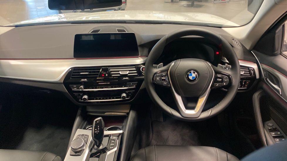 Image 4 - BMW 520d SE Touring (YC20VWA)