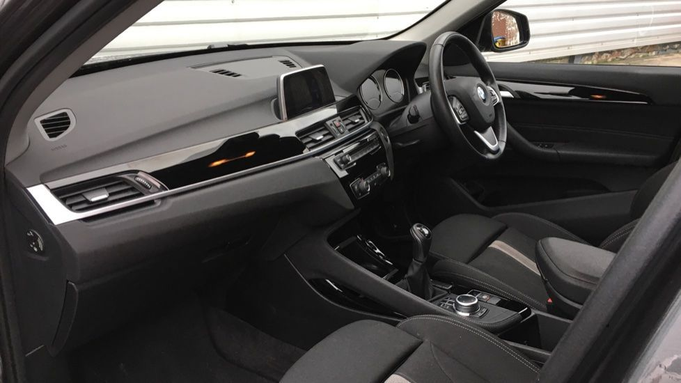 Image 5 - BMW sDrive18i Sport (ML19ZZU)