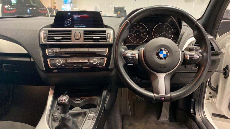 Image 4 - BMW 118i M Sport 5-Door (YK17XOA)