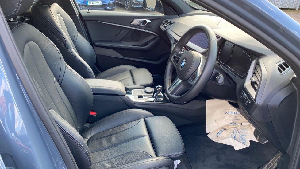 Image 11 - BMW 118i M Sport (YB69VFJ)