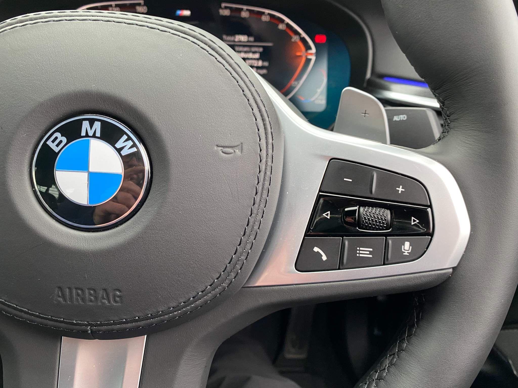 Image 10 - BMW 530d xDrive M Sport Saloon (MV70CGK)