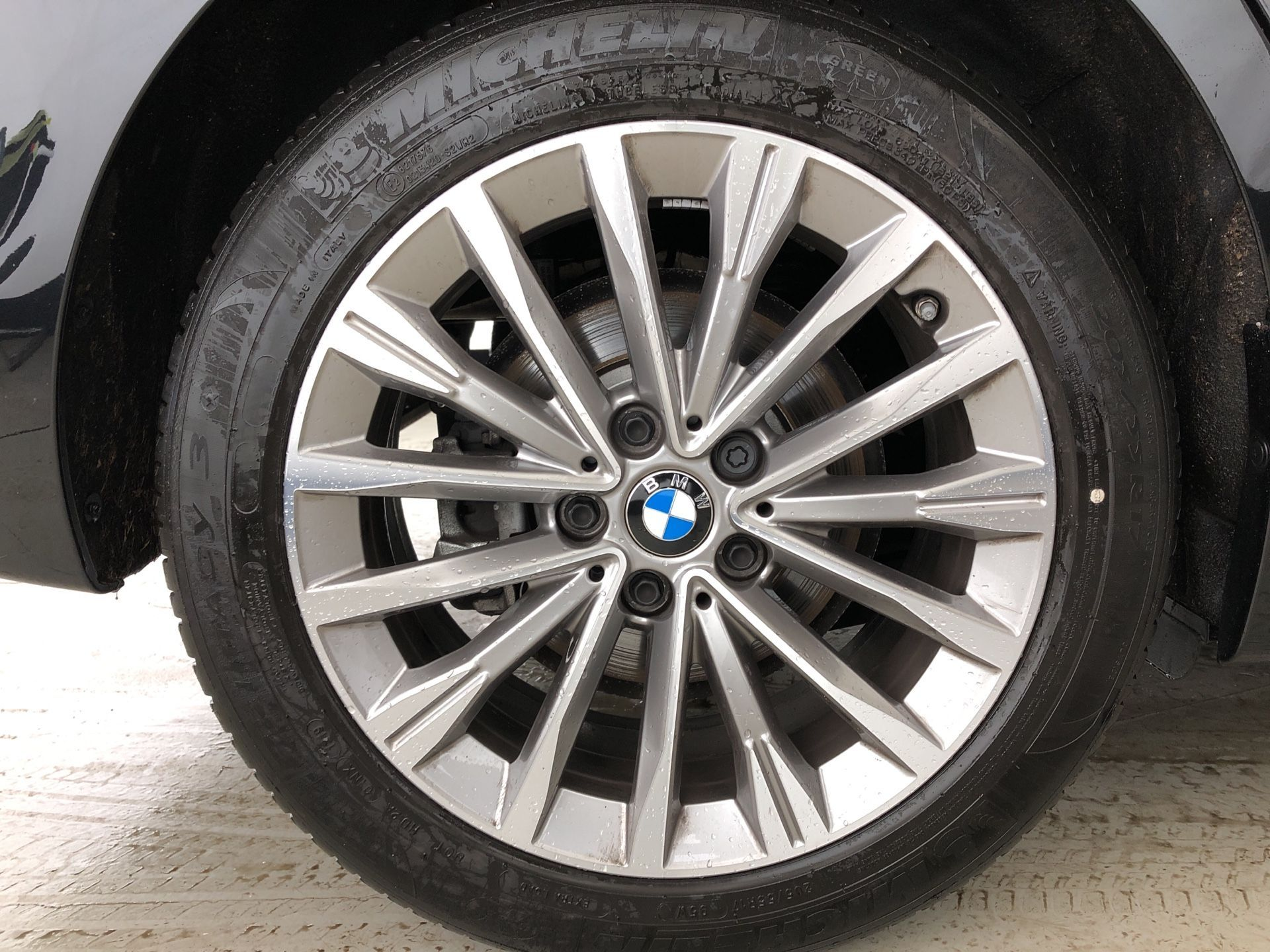 Image 7 - BMW 218i Luxury Active Tourer (YK19SSR)