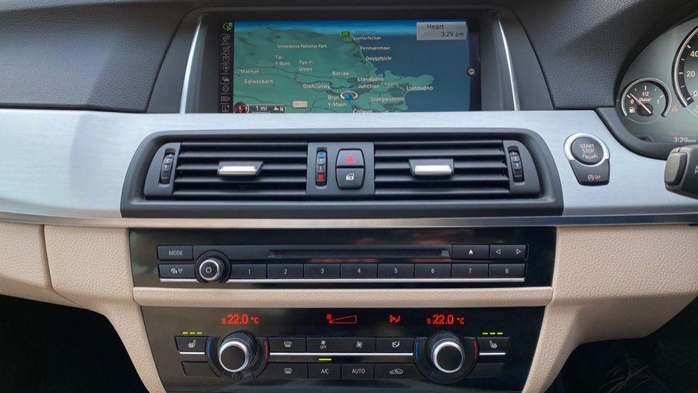 Image 8 - BMW 520d SE Touring (YF65WWD)