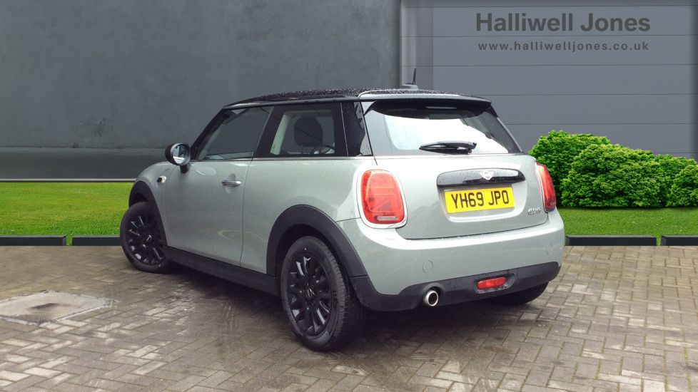 Image 2 - MINI Hatch (YH69JPO)