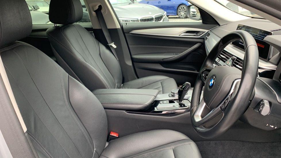 Image 11 - BMW 520d xDrive SE Touring (CY67FUD)